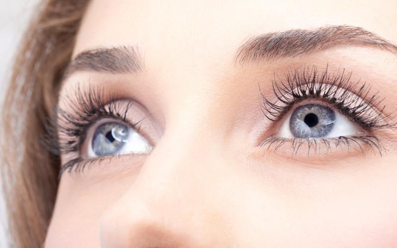 колір очей і характер