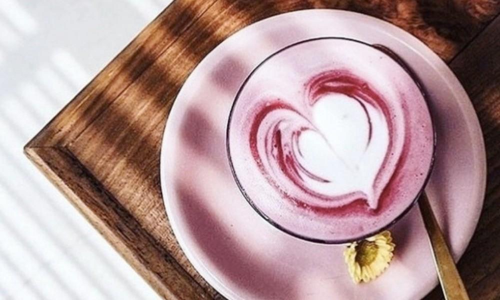 рожевий лате