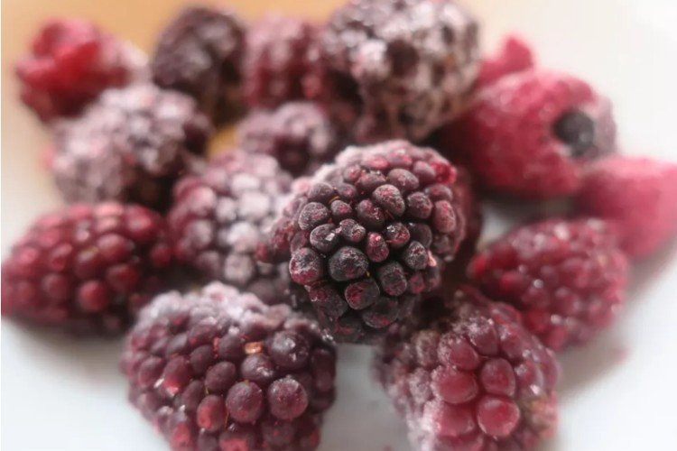заморожена малина, заморожені ягоди