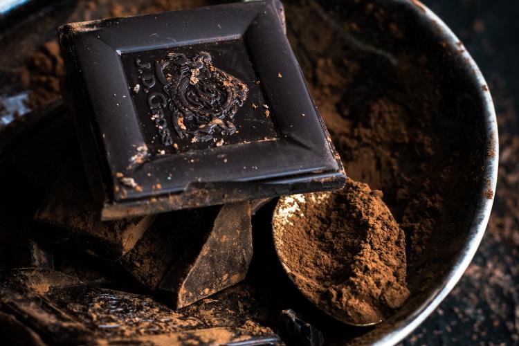 чорний шоколад, какао