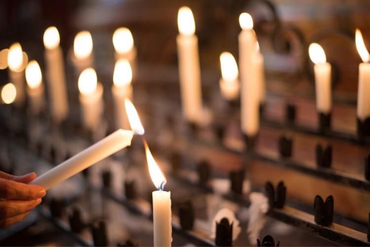 День всіх святих, свічки, церква
