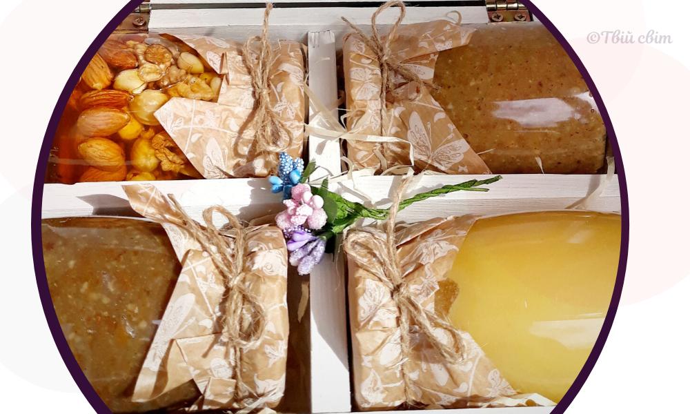 баночки з медом, мед, що подарувати на 8 березня