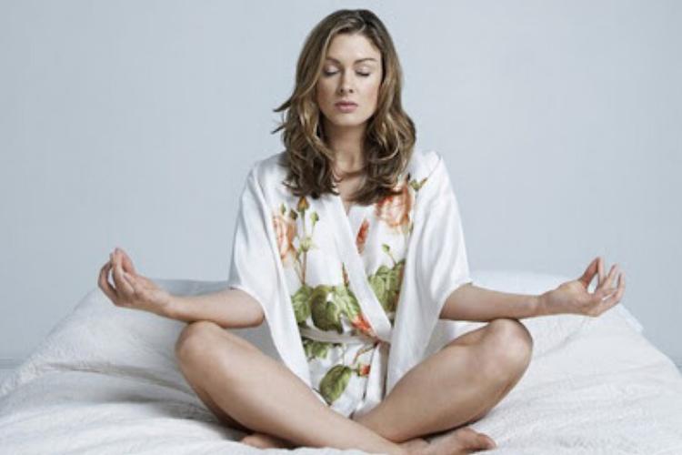 медитація в халаті
