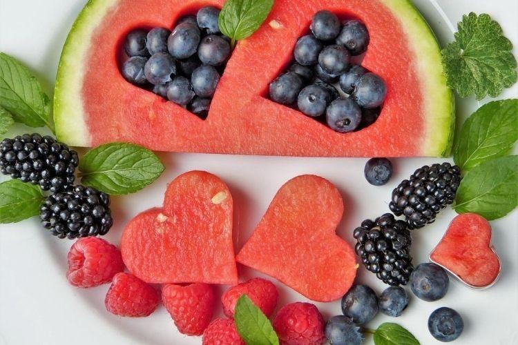 кавун, ягоди, вітаміни, як попередити появу зморшок