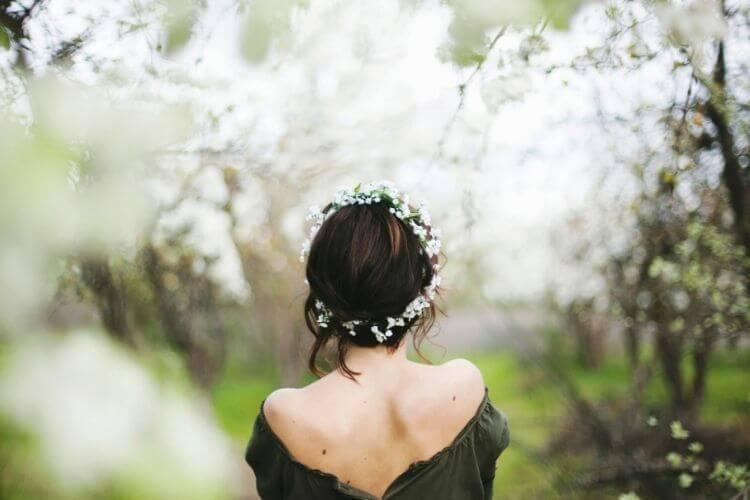 весна, дівчина спиною, вірші про весну
