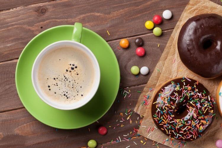 кава, пончики